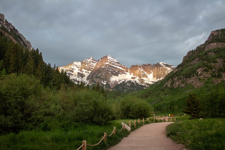 The iconic Maroon Bells in the early morning light.